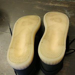 adidas Shoes - Adidas tubular invader strap